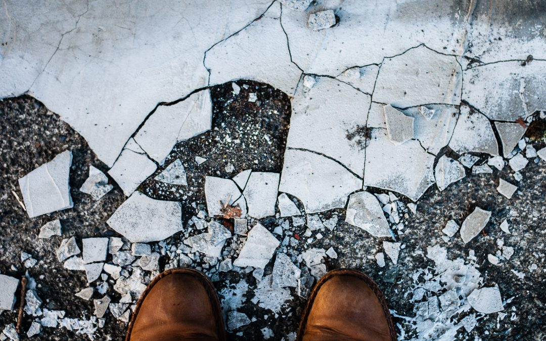 3 signs that your garage floor might need replacing